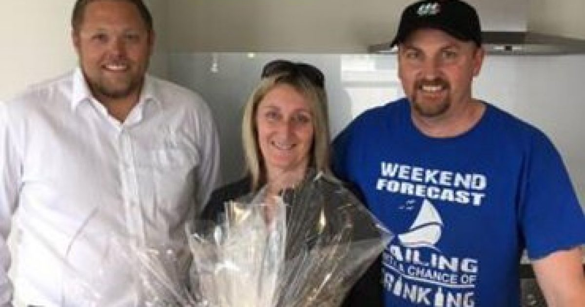 Stonewood Homes hands over replacement house to the Tomlinsons